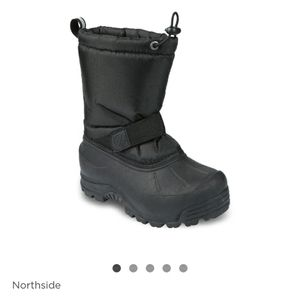 Size 7 *youth Northside winter boots unisex color